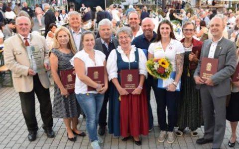 Ehrungen für Vereinsmitglieder am Stadtfest